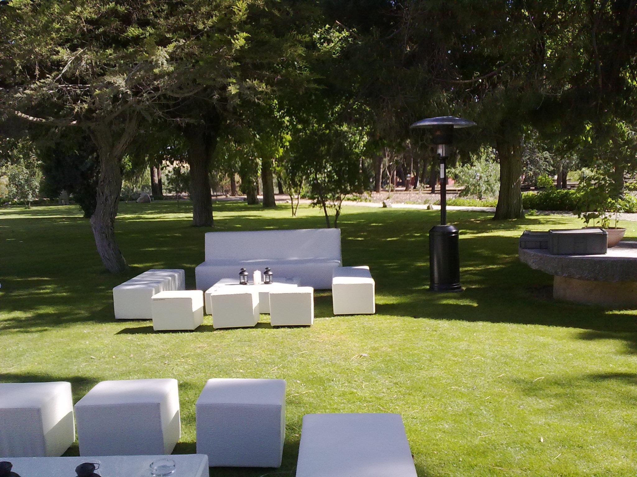 Fotos mobiliario espacios chill out alquiler de mobiliario - Espacios chill out ...