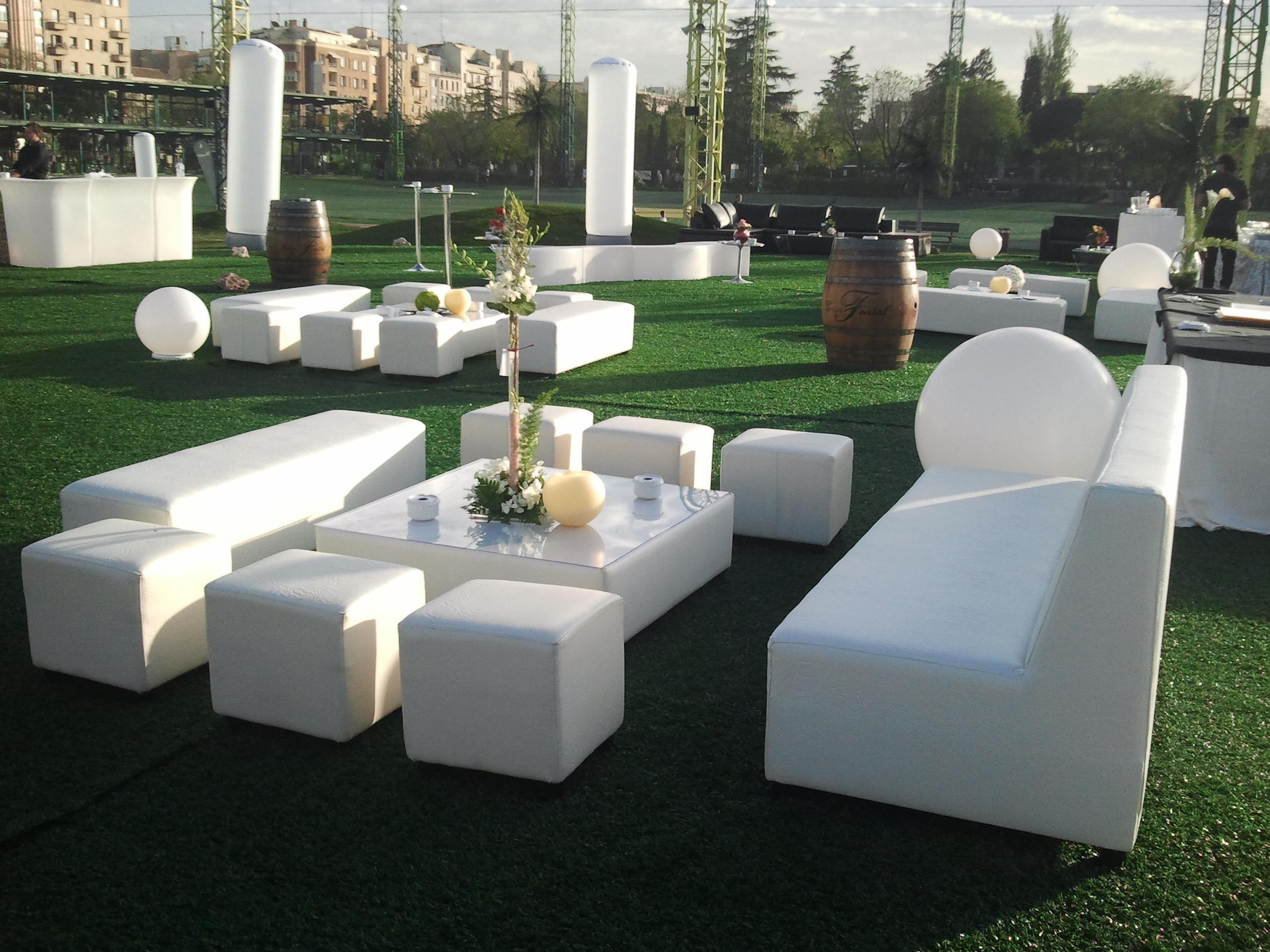 Espacios chill out alquiler de mobiliario for Alquiler muebles para eventos