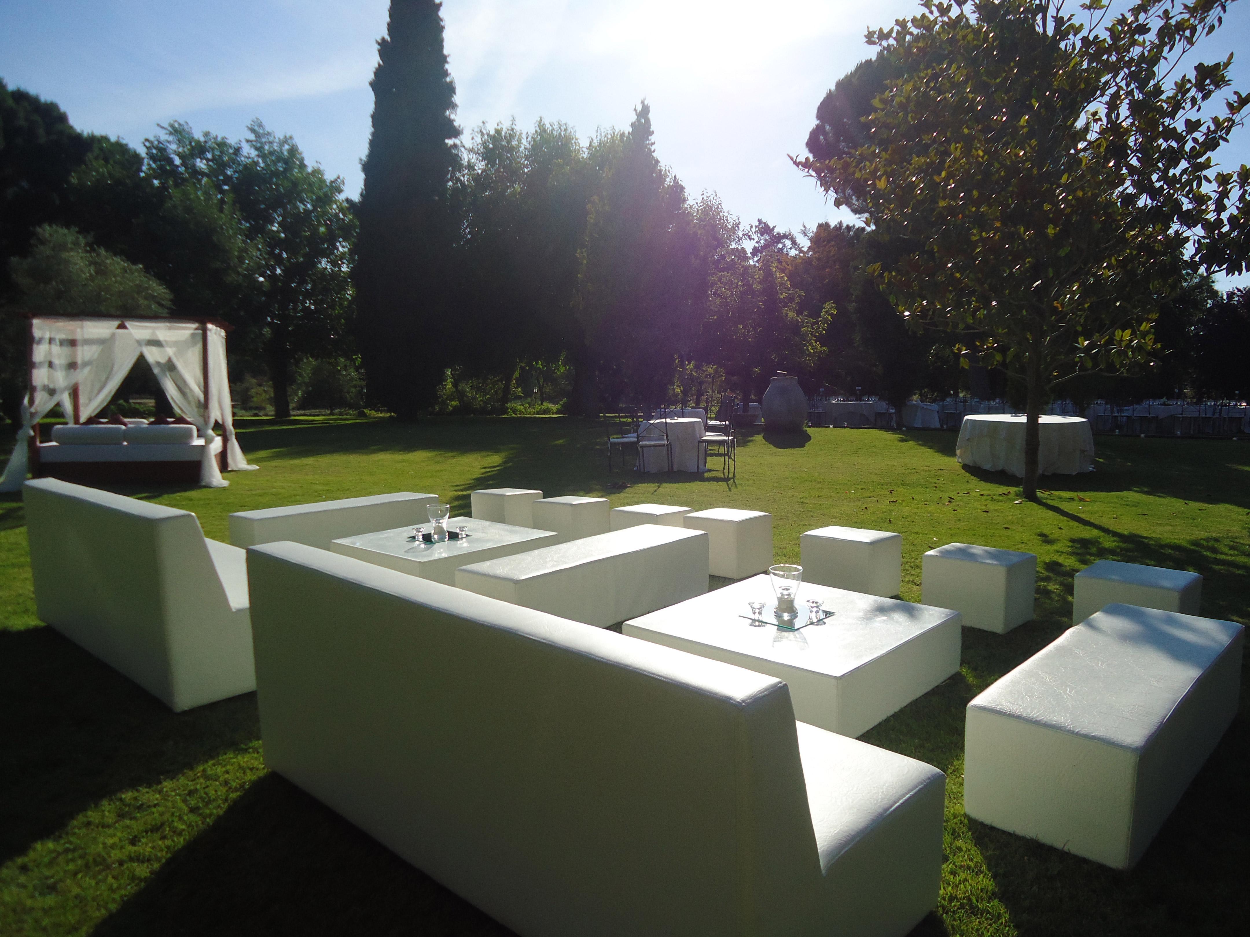 Quienes somos espacios chill out alquiler de mobiliario - Lucio barcelona decoracion ...